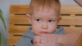 Портрет задумчивого мальчика видеоматериал