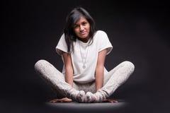 Портрет заискиванной индийской девушки Стоковые Фотографии RF