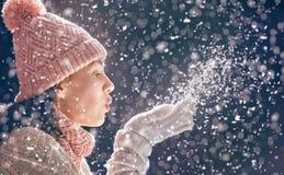 Портрет зимы молодой женщины Стоковые Фото