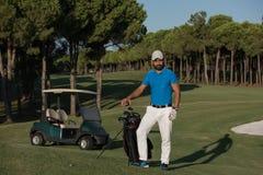 Портрет игрока в гольф на поле для гольфа Стоковое Изображение RF