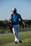 Портрет игрока в гольф на поле для гольфа Стоковые Изображения
