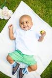 Портрет индийского ребёнка с игрушкой Стоковые Изображения RF