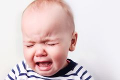 Портрет кавказского младенца плача Стоковая Фотография