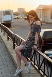 Портрет кавказской девушки на заходе солнца Стоковые Фотографии RF
