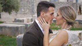 Портрет как раз-женатых международных пар сток-видео