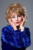 Портрет Конца-вверх блондинкы женщины Стоковые Изображения