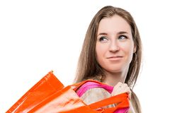 Портрет конца-вверх девушки с хозяйственными сумками Стоковые Фотографии RF