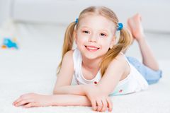Портрет конца-вверх милой девушки Стоковая Фотография