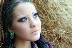 Портрет конца-вверх молодой стильной женщины Стоковое Изображение RF