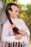 Портрет красивейшей девушки с длинней оплеткой Стоковые Фото
