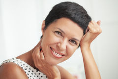 Красивейшей женщина постаретая серединой Стоковые Фотографии RF