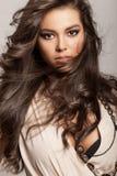 Длинние волнистые волосы стоковое фото