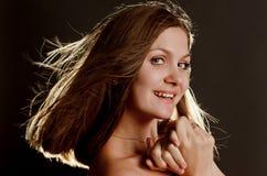Портрет красивейшей молодой женщины стоковое изображение