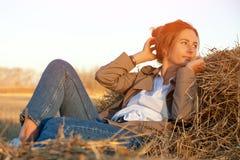 Портрет красивейшей молодой модели стоковое изображение rf