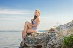 Портрет красивейшей молодой белокурой женщины Стоковое Изображение RF