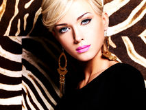 Красивейшая сексуальная женщина с составом способа на стороне Стоковое Изображение RF
