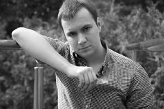 Портрет красивого мужеского человека Стоковые Изображения RF
