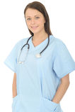 Портрет красивого профессионального счастливого молодого женского доктора Looking Уверенно и ослабленный Стоковые Изображения RF