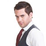 Портрет красивого человека в костюме. Стоковые Изображения RF