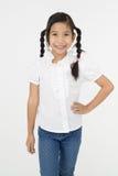 Портрет красивой азиатской девушки с счастливой стороной Стоковые Изображения RF
