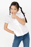 Портрет красивой азиатской девушки с счастливой стороной Стоковое Изображение RF