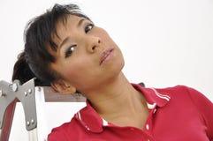 Портрет красивой головы женщины на лестнице Стоковая Фотография