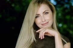 Портрет красивой девушки стоковая фотография