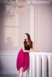 Портрет красивой девушки европейского возникновения Стоковые Изображения RF