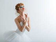 Портрет красивой девушки с составом моды - красных губ, хлева Стоковые Фотографии RF