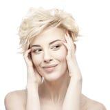 Портрет красивой женщины с чистой кожей стоковая фотография rf
