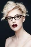 Портрет красивой женщины с чистой кожей стоковое фото rf
