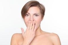Портрет красивой женщины с чуть-чуть плечами стоковые фотографии rf