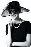 Портрет красивой молодой женщины в ретро стиле в элегантном Стоковая Фотография