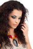 Портрет красивой молодой женщины изолированный на белизне стоковое изображение rf