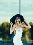 Портрет красивой сексуальной женщины моды Стоковые Изображения RF