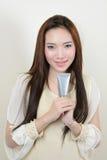 Портрет красивой усмехаясь здоровой азиатской женщины стоковое фото
