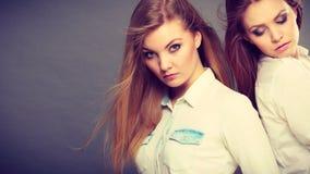 Портрет 2 красивый photomodels Стоковая Фотография