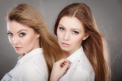 Портрет 2 красивый photomodels Стоковые Фотографии RF