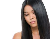 Портрет красотки азиатской девушки брюнет Стоковые Изображения RF