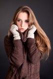 Портрет красоты. Красивая женщина на черной предпосылке стоковые фотографии rf