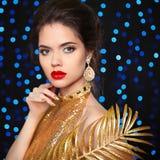 Портрет красоты красивой модели девушки моды с красными губами Стоковые Фото