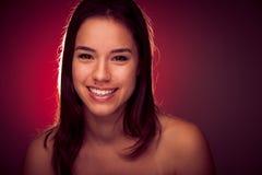 Портрет красоты довольно азиатской кавказской женщины Стоковое фото RF