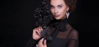 Портрет красоты чувственной женщины Стоковое фото RF