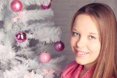 Портрет Кристмас красивейшей девушки Стоковые Изображения RF