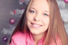 Портрет Кристмас красивейшей девушки Стоковое Изображение