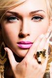 Красивейшая сторона молодой женщины с составом способа Стоковое Фото