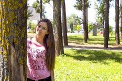 Портрет крупного плана красивого девочка-подростка с длинными волосами Стоковое Изображение