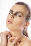 Портрет крупного плана красивой стороны женщины с ярким составом на s Стоковое фото RF