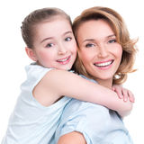 Портрет крупного плана счастливой матери и молодой дочери Стоковое Изображение
