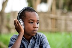 Портрет мальчика со шлемом стоковое изображение rf